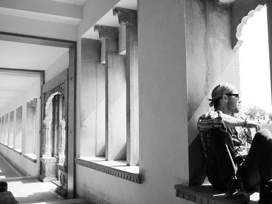 Himmatgarh Palace: Lobby Space