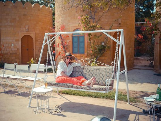 Himmatgarh Palace : Lunchtime outside