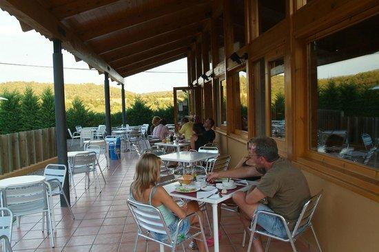 Camping Montagut : Terraza del bar/restaurante