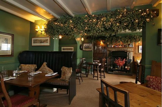 Fox & Hounds Country Inn: Lounge Bar