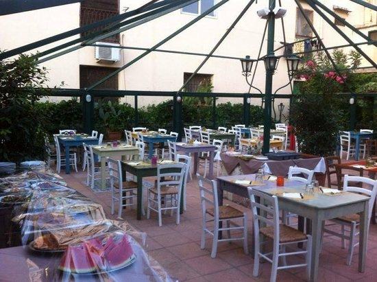 Il Siciliano Doc : giardino interno