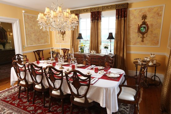 Chestnut Hill Bed & Breakfast Inn: Dining Room