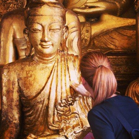 Shwedagon Pagoda: Emozionante , bellissima !!!