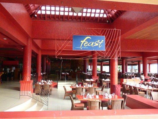 Sheraton Fiji Resort : one of the dining areas