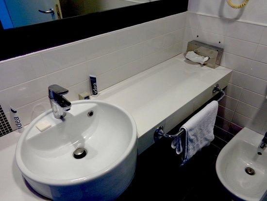 Idea Hotel Plus Milano Malpensa Airport: in the bathroom