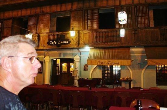 Cafe Leona: open air setting