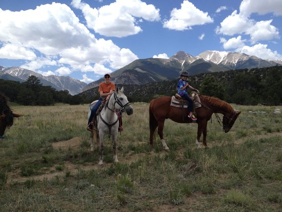 Mt Princeton Riding Stables & Equestrian Center : Beautiful view