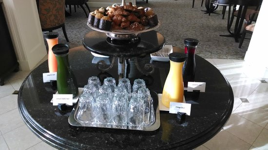 Fairmont Washington, D.C. Georgetown : Part of the breakfast spread on the 9th floor