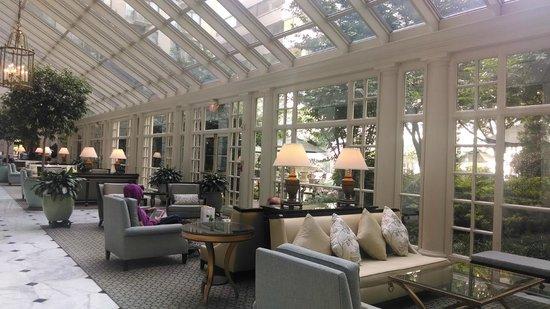 Fairmont Washington, D.C. Georgetown: Beautiful lobby lounge area
