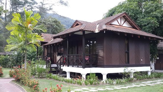 Puteri Bayu Beach Resort: The Chalets