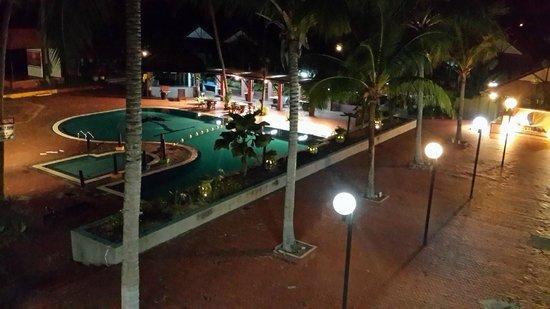 Puteri Bayu Beach Resort: The Pool By Night