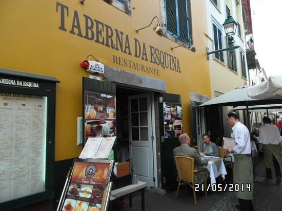 Taberna Ruel: A fachada.