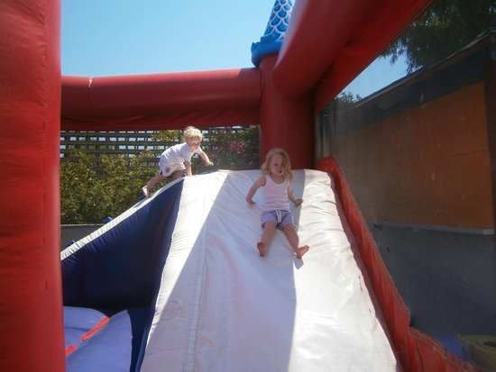 HSM Canarios Park: bouncy castle at mini club
