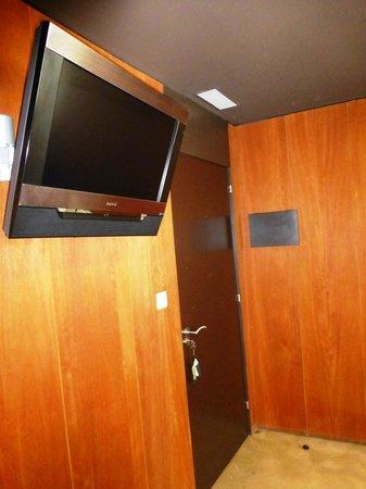Pradio: Televisión en habitación