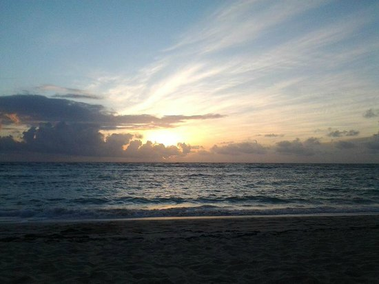 Majestic Colonial Punta Cana : On the beach in the morning at the resort!