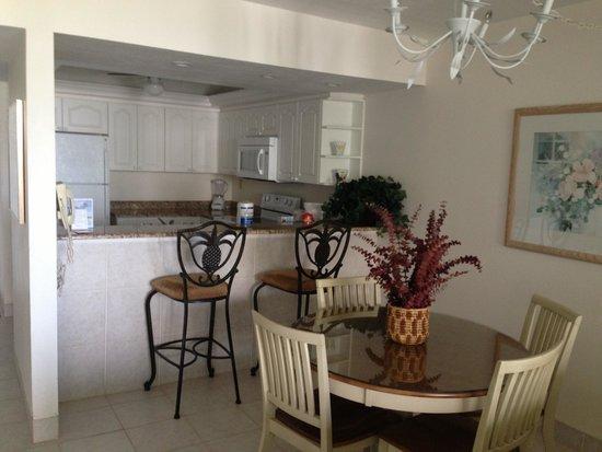 Sundial Beach Resort & Spa: Kitchen