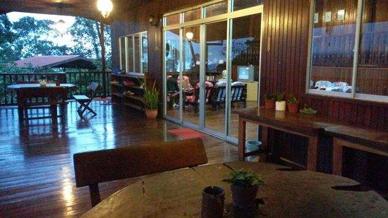 Kinabalu Mountain Lodge: Balcony
