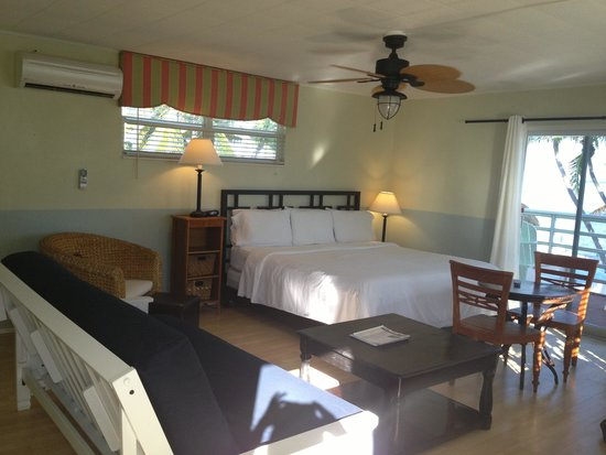 Drop Anchor Resort: Living/bedroom