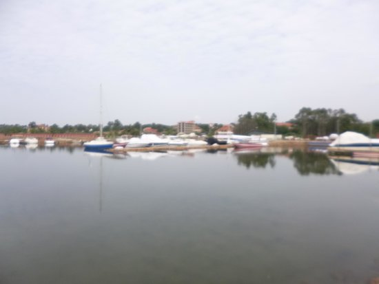 Munyonyo Commonwealth Resort: lake side