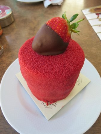 Doruk Pastanesi: They were out of fruit cake so I decided on this chocolate strawberry creation