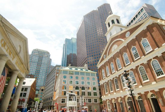 Hilton Boston Downtown / Faneuil Hall: Faneuil Hall / Quincy Marketplace
