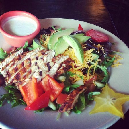 Trinity Pub: Scrumptious Salad with house made dressing