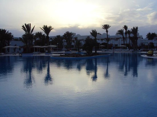 El Mouradi Djerba Menzel: Pool area in the evening.