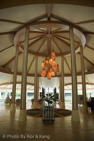 Mercure Koh Chang Hideaway Hotel: โซนต้อนรับลูกค้า