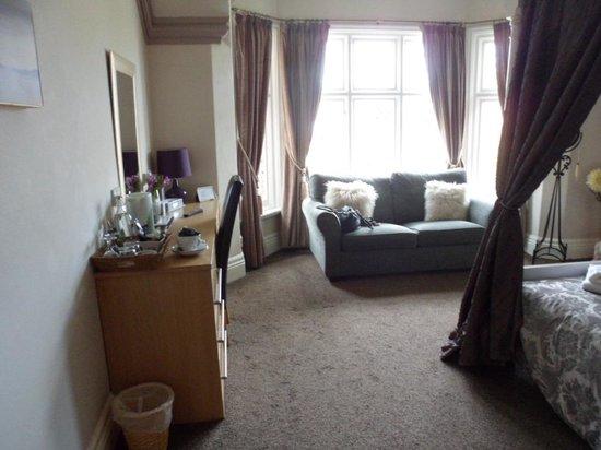 The Clontarf Hotel: Romantic room 2