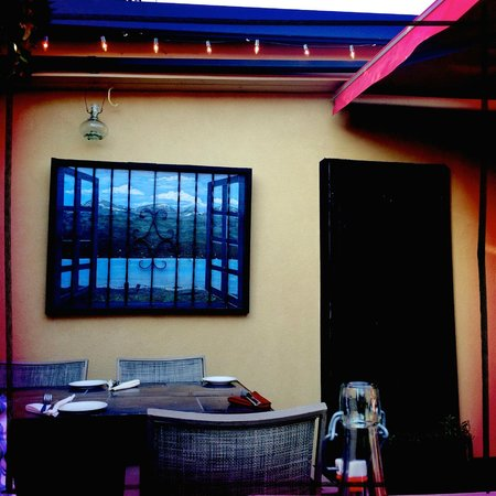 Martine's Bistro: Outdoor Seating