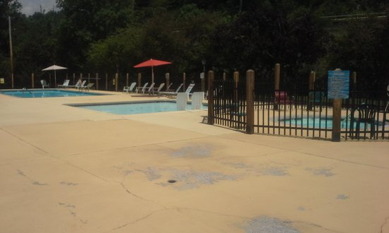 Twin Creek RV Resort: great pool