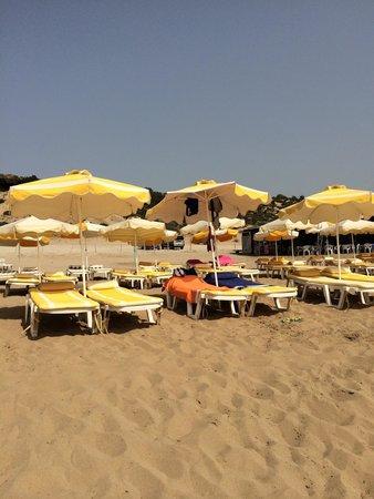Agathi Beach: Ombrelloni