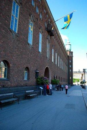 Ayuntamiento: Front facade with main entrance