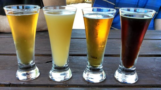 Outer Banks Brewing Station : Beer flight!