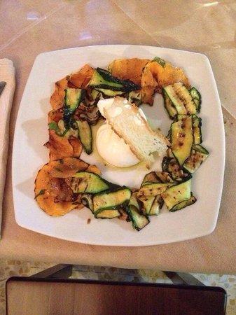 Osteria Degli Angeli: Burrata con verdure alla griglia