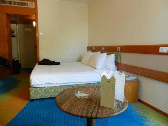 Gai Beach Resort Spa Hotel : Room