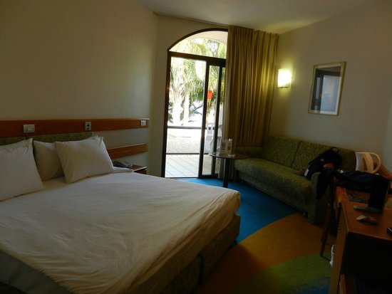 Gai Beach Resort Spa Hotel: Room