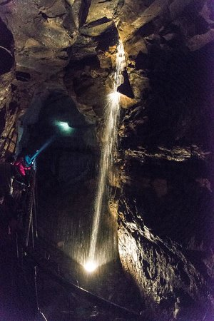 Aillwee Cave: Underground waterfall