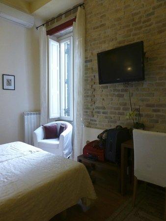 Palm Gallery Hotel: Déco simple et soignée, une chambre où je me suis sentie bien tout de suite.