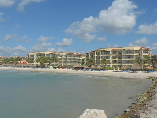 Hotel Marina El Cid Spa & Beach Resort : Hotel view from the beach