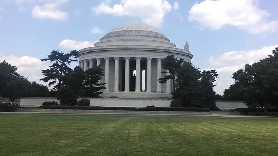 USA Guided Tours: Picture taken on the Best of DC Tour June 14th- Jefferson Memorial