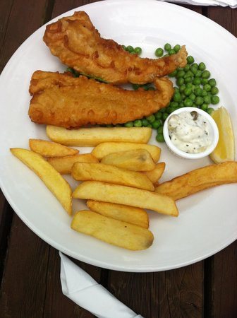 The Rising Sun: 2 small fish and 12 chips