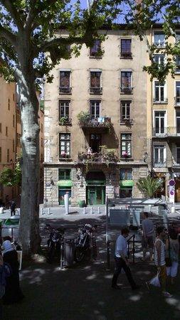 Vieux Lyon : Vieille maison sur les quais