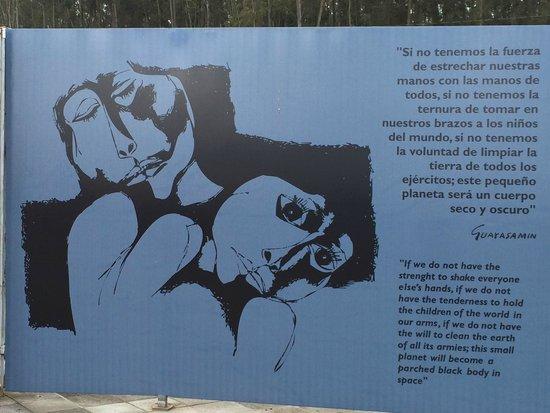La Capilla Del Hombre : Outdoor installation