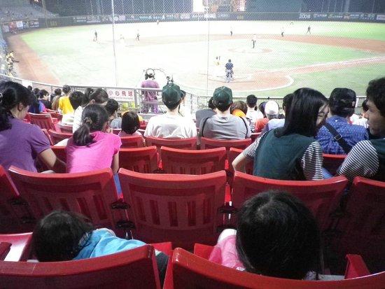 天母棒球场