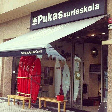 Pukas Surf Eskola San Sebastian
