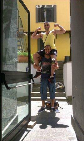 La Controra Hostel Naples: Me and Nathan having a laugh!