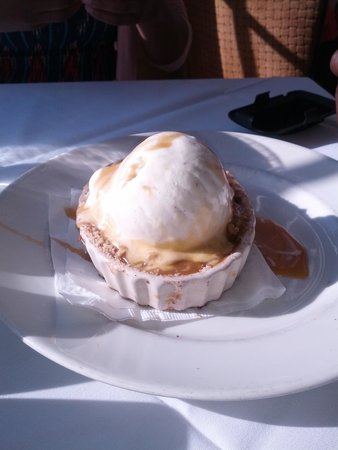Chart House: Apple Cherry Crisp was to die for!