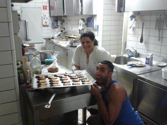 Seven Hostel : Me and My Italian Mama