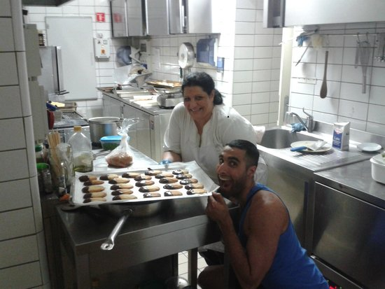 Seven Hostel : Me and My Italian Mama_2